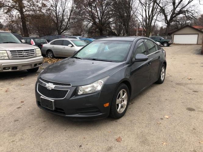 2013 GRAY CHEVROLET CRUZE LT (1G1PK5SBXD7) with an 1.4L engine, 6-Speed Manual transmission, located at 151 Alpine Road, Rockford, IL, 61108, (815) 398-5010, 42.212986, -89.029320 - Photo #0