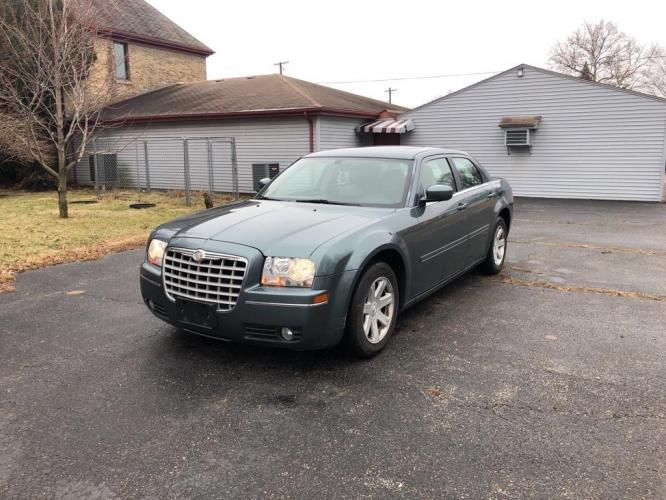 2005 GREEN CHRYSLER 300 TOURING (2C3JA53G45H) with an 3.5L engine, Automatic transmission, located at 1708 Broadway, Rockford, IL, 61104, (815) 397-5010, 42.252522, -89.069359 - Photo #0