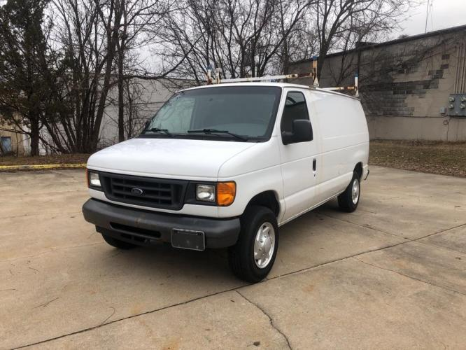 2007 WHITE FORD ECONOLINE E150 VAN (1FTNE14W57D) with an 4.6L engine, Automatic transmission, located at 151 Alpine Road, Rockford, IL, 61108, (815) 398-5010, 42.212986, -89.029320 - Photo #0