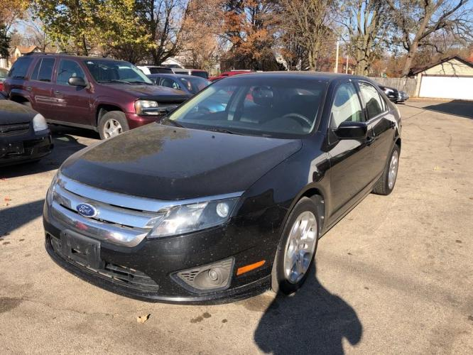 2010 BLACK FORD FUSION SE (3FAHP0HG1AR) with an 3.0L engine, Automatic transmission, located at 1708 Broadway, Rockford, IL, 61104, (815) 397-5010, 42.252522, -89.069359 - Photo #0